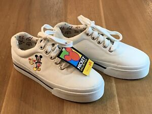 DISNEY Mickey Unlimited Women's White Canvas Shoes Size 6.5 Mickey Mouse NEW!