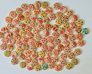 Job Lot 100 Assorted Flower Patterned Buttons Size 15mm