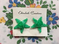 Vintage 50's/60's kitsch novelty plastic rose flower clip on earrings - green