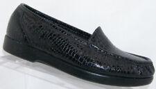 SAS Simplify black leather croc print round toe slip on penny loafers 8WW