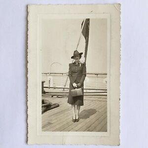 C1 Lot Vintage  Black /& White Prints FREE US SHIPPING /& HANDLING