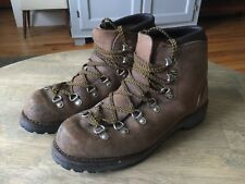 Vintage Vasque Hiking Mountaineering Leather Boots • Men's Size 8