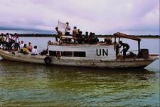 518083 AN untac civile TEAM education viaggia barca per un' isola A4 FOTO STAMPA