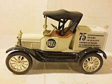 Ertl Ford 1918 Runabout Buss Fuses Bank 1:25 Scale Die Cast