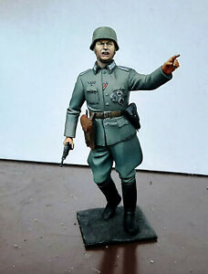 Tamiya - 1/16 WW2 German field commander PAINTED