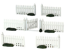 LEMAX CHRISTMAS VILLAGE ACCESSORIES - 7 PIECE PLASTIC WHITE PICKET FENCE #14388