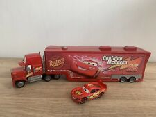 Disney Cars Mcqueen and Mack Lorry Truck Play-set Bachelor pad + Car