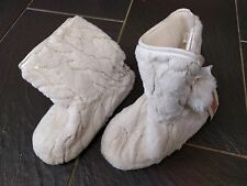 NEW LOOK LADIES CREAM SLEEP & RELAX GOLD DETAIL SLIPPER BOOTS SIZE SMALL NEW 3-4