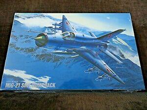 NEW SEALED IN BOX MODEL KIT H22 1/72 FUJIMI MiG-21 SMT HUMPBACK RUSSIAN FIGHTER
