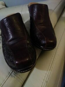 SOFFT Brown Leather Embossed Mules Sz.8