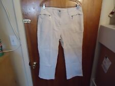 "Womens Fashion Bug Stretch Size 12 Beige Capri Pants "" BEAUTIFUL PAIR """