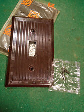 VINTAGE BAKELITE TOGGLE SWITCH PLATE COVER - BROWN NOS MID CENTURY!  (8628)