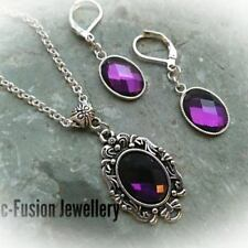 Cabochon Crystal Glass Costume Necklaces & Pendants