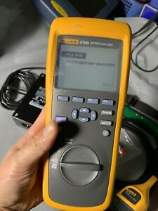 Fluke BT508 Battery Analyzer DC Voltage MilliOhm Resistance Tester W/ BTL10