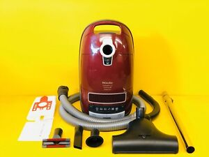 MIELE CAT & DOG C3 CYLINDER VACUUM CLEANER *HIGH WATTAGE 1600W MOTOR!*