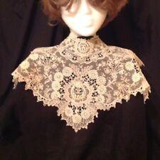 Antique Lace / Bertha Collar 1940s heirloom lace - Exquisite !