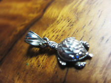925 Silver Hawaiian Sea Turtle Pendant .7gram Diamond cut detail 20mmx8mm