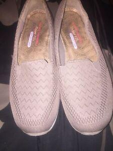 Sketchers Memory Foam Walking Shoes Womens Size 9.5