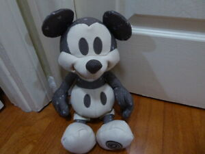 Disney Mickey Mouse Memories Plush November 2018 Limited Edition series 11/12