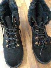 Ladies Black walking boots with fur trim size 6