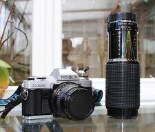 Minolta X-300 appareil photo reflex Kit avec MD Fit ROKKOR 28 mm 2.8 Objectif et un 75-300 Zoom