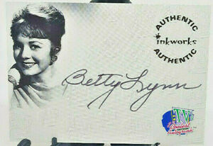 1998 Inkworks Betty Lynn TV's Coolest Classics #A4 Autographed - Great Condition