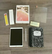 Apple iPad Pro 2nd Gen. 256GB, Wi-Fi, 10.5 in - Rose Gold - Bundle