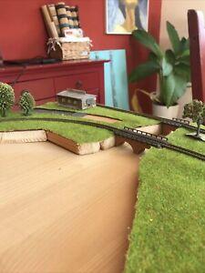 Wunderschöne Märklin Spur Z Anlage fast komplett fertig mit Trafo/Bäume/Häuser