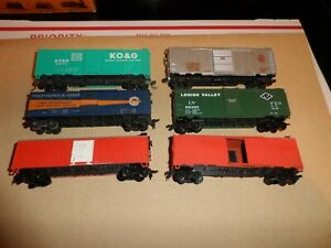HO SCALE ROLLING STOCK  LOT    BOX CARS  LOT OF 6