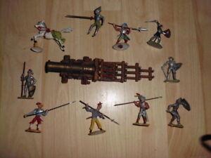 Konvolut Elastolin / Merten 4cm Landsknechte / Ritter plus Kanone / Bombarde