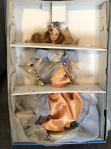 VINTAGE 1997 MATTEL HARPIST ANGEL BARBIE DOLL ANGELS OF MUSIC COLLECTION IN BOX