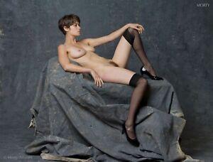 Helena 90654 Artistic Studio Nude Hand-Signed 8.5x11 Photo by Craig Morey