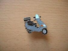 Pin Anstecker Piaggio Vespa Hexagon grau grey Roller Scooter Art. 0639