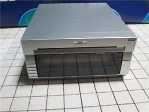 DNP DS40 Dye Sub Printer      LIFE COUNTER 130418    FIRMWARE VERSION DS40 1.40