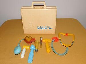 VINTAGE TOY 1977 FISHER PRICE MEDICAL KIT