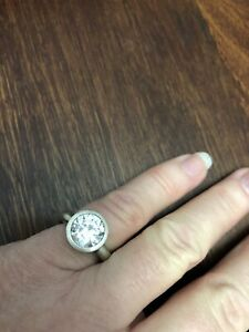 Silver Ring,with Cubic Zirconia,925 SS,Preloved,Size M