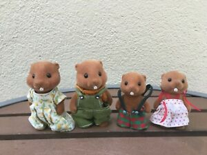 Calico Critters Sylvanian Families Vintage Beaver Family Of 4 Nice Condition
