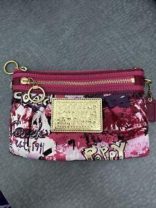 Coach Poppy Graffiti Color Pinks/Reds Clutch Travel Makeup Pouch Zipper NWOT