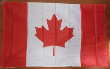 DRAPEAU CANADIEN 100 % POLYESTER FORMAT ENVIRON 90 cm X 140 cm CANADA