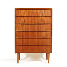 Very Dressers & Chests of Drawers