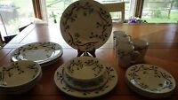 Christmas Dinnerware Set Holly Berry Design by Todays Home service 4 16pc