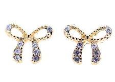 Pendientes de perlas de tono dorado con brillantes joyas