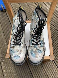Dr Martens Leather Blue Floral Size 6 Worn Boots