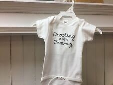 Underbib Baby Drooling Over Mommy Short Sleeve Bib Bodysuit White 9-12 Months