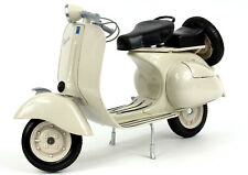 1955 VESPA 150 VL 1T BEIGE MOTORCYCLE SCOOTER 1/6 DIECAST MODEL BY NEW RAY 49273