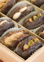 Palestinian Medjool/Medjoul Dates Filled with Nuts Gourmet Gift Box  FREE P&P