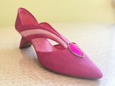Just The Right Shoe ~ Grand Marquise No. 25126