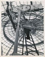 Godin Salon des Arts Ménagers Paris Grand Palais tirage argentique d'époque 1959