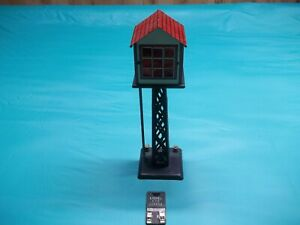 MARX TIN SWITCHMAN TOWER &LOCK ON VERY GOOD CONDITION