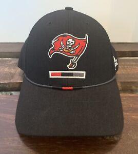 Vintage Tampa Bay Buccaneers Fitted Size 7 Cap Hat Adidas NFL Black